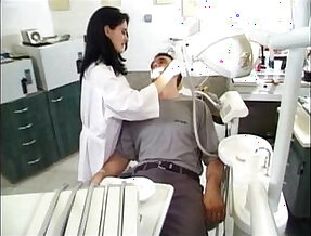 dentist an her patuent