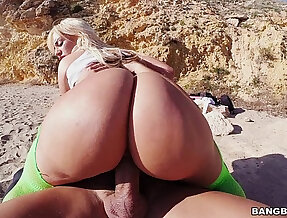 Blonde masturbating with Huge Rack and Huge Ass