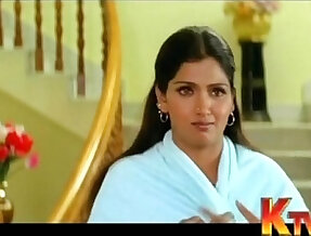 Bhuvaneswari aunty clevage show